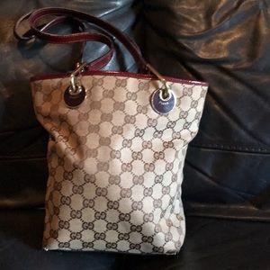 Gucci bucket bag